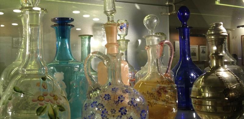 Service bottles